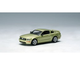 FORD MUSTANG GT GREEN - AUTO ART